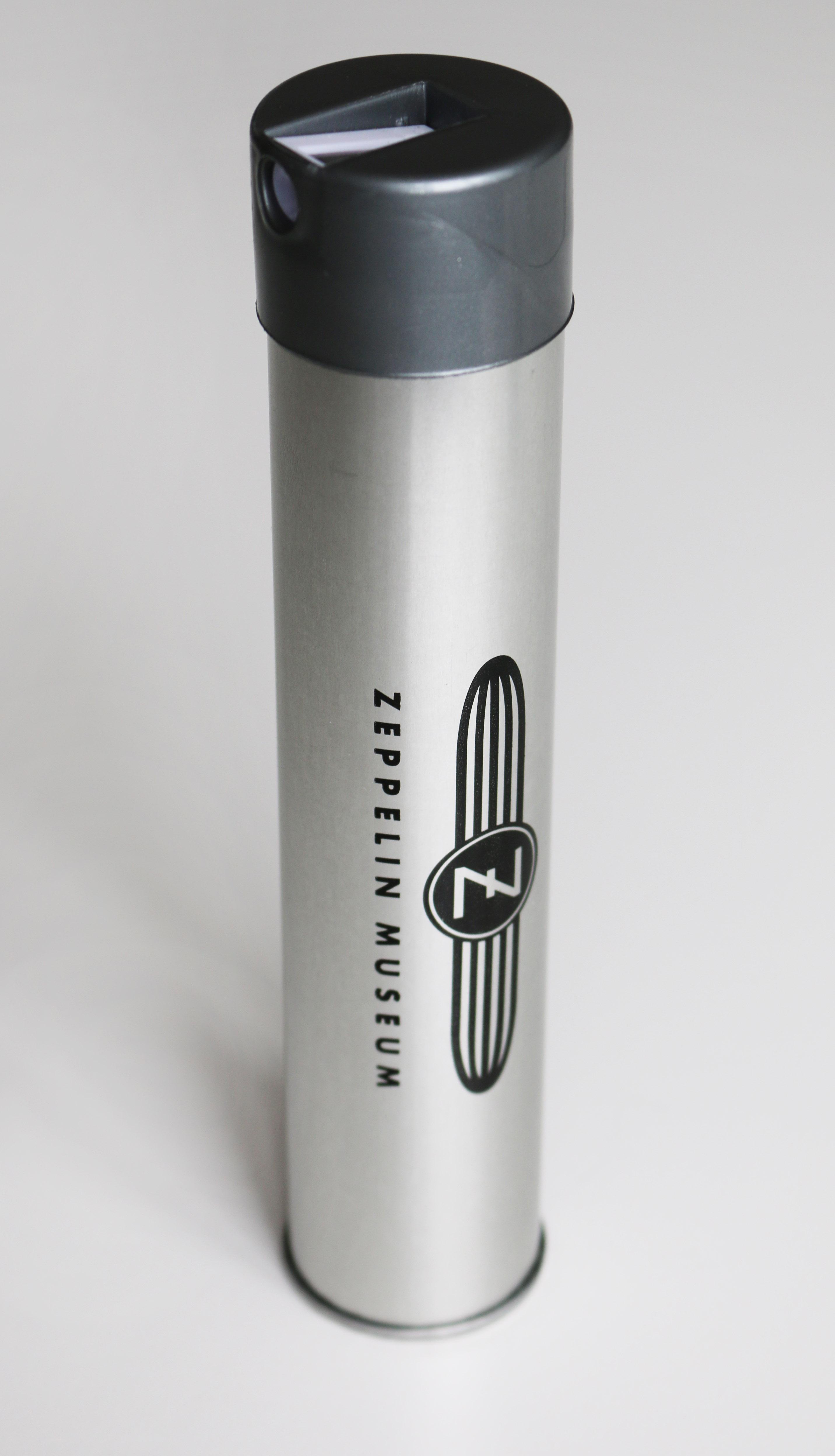 Buntstifte in Metallbox mit Spitzer Zeppelin Museum