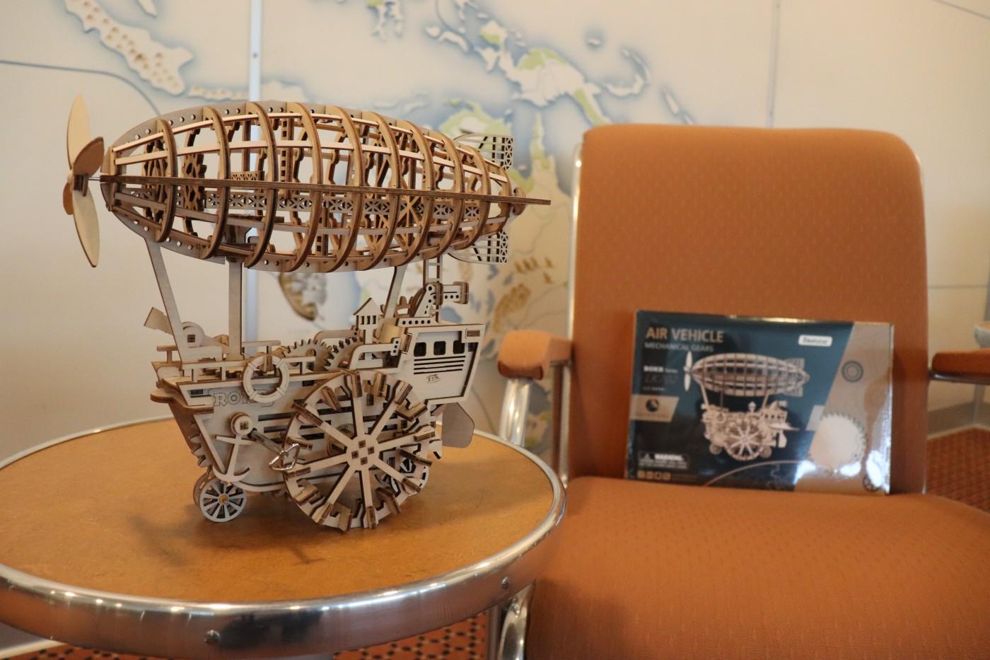 3D-Zeppelin-Holzmodellbausatz